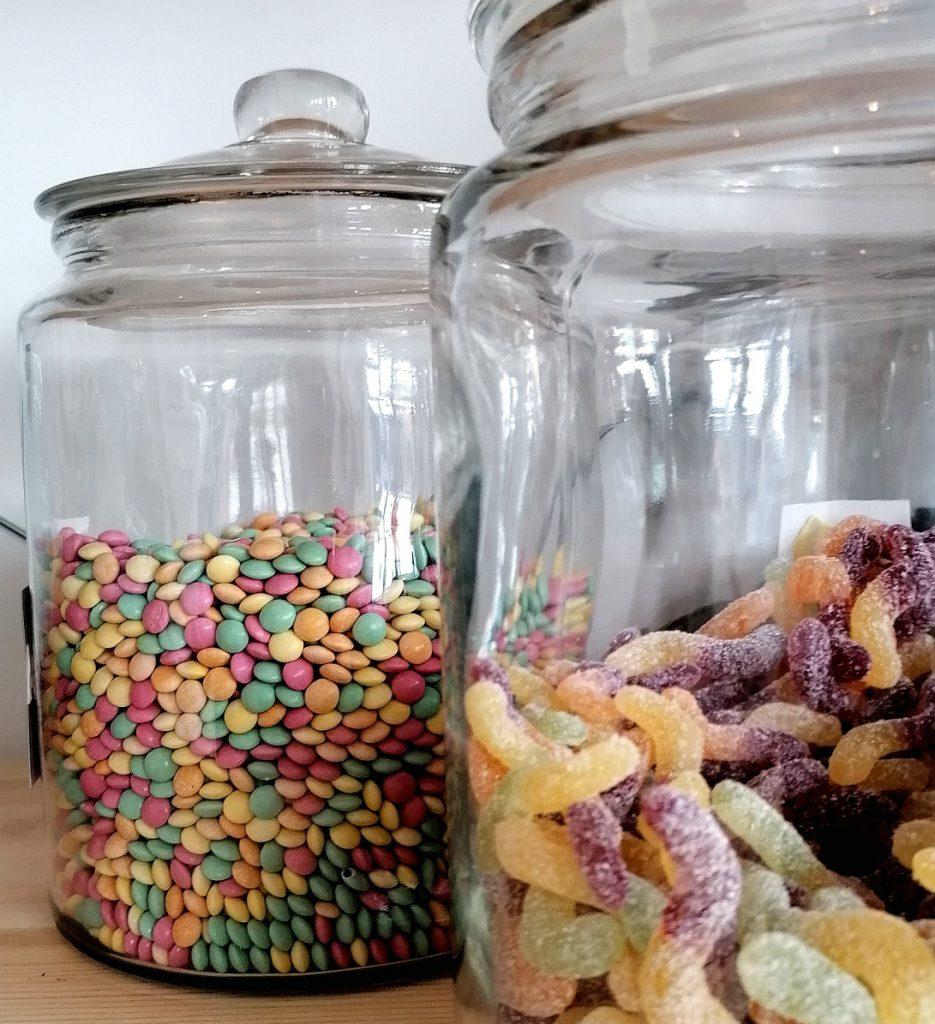Bocaux de bonbon bio et vegan du Local. Epicerie bio, vrac et zéro déchet
