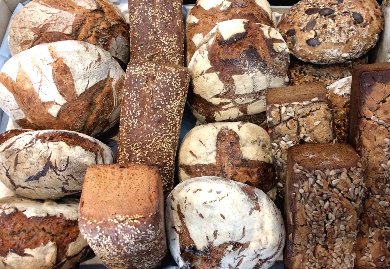 Image des appétissants pains bio et local
