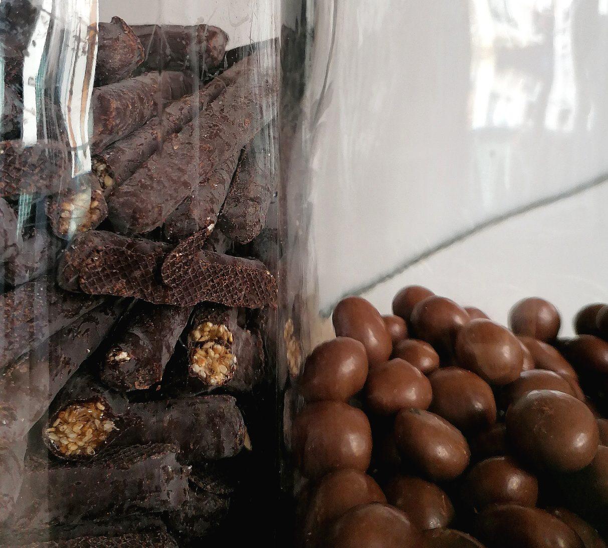 bocaux de chocolat du Local épicerie vrac de quartier