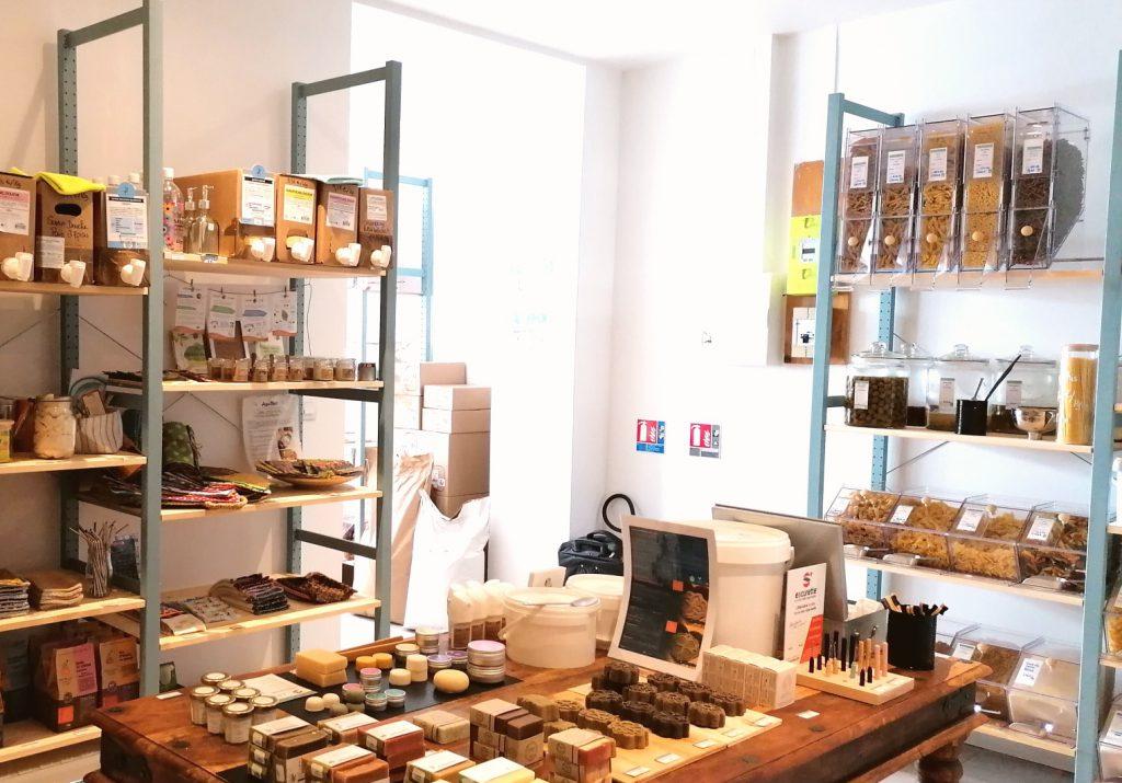 vu de la deuxième salle de la boutique Le Local